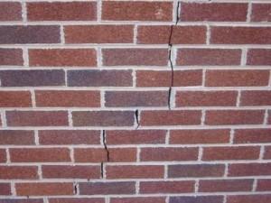 Mur-de-Briques-Fissure